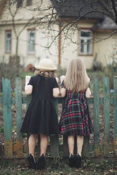 Little Black Linen Dress, Black Collar, Kids Fashion, Hand Made Children Clothing, Peter Pan Collar Dress Peter Pan Collar Dress, Precious Children, Black Linen, Linen Dresses, Kind Mode, Look, Kids Outfits, Kids Fashion, Girls Dresses