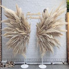 Elari events signature wings 😍 by Wedding Reception Design, Boho Wedding, Reception Backdrop, Luxury Wedding, Deco Floral, Floral Design, Photowall Ideas, Decoration Evenementielle, Deco Champetre
