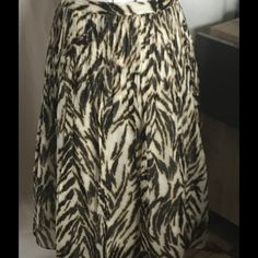 Talbots Animal Print Cotton Skirt Side zip. Lined. Talbots Skirts