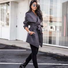 """One of the Historic and Classic Style outfit is """"Trench Coat"""". This is the only style, which can mix well with any attire. Formal, Semi formal or Party Wear Winter Mode Outfits, Winter Fashion Outfits, Autumn Fashion, Casual Outfits, Work Outfits, Fall Outfits, Black Women Fashion, Womens Fashion, Fashion Trends"""