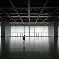 Neue Nationalgalerie, Berlin - Mies van der Rohe, 1968 (photo Thore Schaier, 2009)