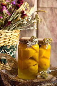 Te animamos a preparar tu propia conserva de melocotones en almíbar con esta receta del blog YERBABUENA EN LA COCINA.