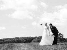 Fine Art Hochzeitsfotografie | DUJMOGRAPHY · Fine Art Hochzeitsfotografie | Hochzeitfotograf Österreich Fine Art Wedding Photography, Couple Photos, Wedding Dresses, Creative Wedding Photography, Black White Photos, Couple Shots, Bride Dresses, Bridal Gowns, Weeding Dresses