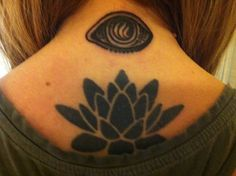 my third eye is in the back of my neck!  Eye tattoo by Paul Dobleman, Spider Murphy's, San Rafael, CA.