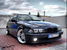 BMW E39 5 series black