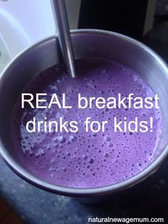 REAL breakfast drinks for kids. Popular dieticians and nutritionists recommend packaged breakfast drinks for kids but I think they need REAL drinks. Toddler Smoothies, Smoothies For Kids, Toddler Meals, Kids Meals, Toddler Food, Cooking Tips, Cooking Recipes, Vanilla Smoothie, Kid Drinks