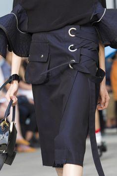 Sacai Spring 2018 Menswear source:TheImpression.com Photo/Imaxtree