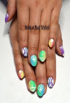 OMBRE & AZTEC #springnails #nailart - bellashoot.com
