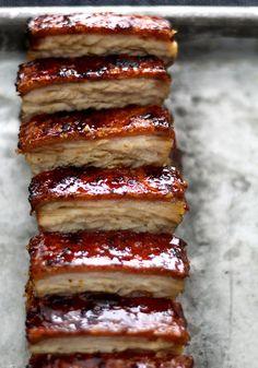 Pork Belly Confit w/ Crispy Skin + Torched Caramel Crust Pork Belly Recipes, Tapas, Chicharrones, Pork Dishes, Pork Roast, Love Food, Creme, Food Porn, Food And Drink