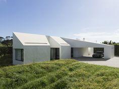 Casa do Rosto do Cão / M-Arquitectos
