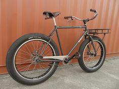 Surly Pugsley Cruiser  by bikernz, via Flickr mit Gepäckträger vorne ideal als Cargo Bike