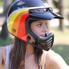 The Bell Moto 3 Motorcycle Helmet Motorcycle Helmet Design, Womens Motorcycle Helmets, Motorbike Girl, Retro Helmet, Vintage Helmet, Lady Biker, Biker Girl, Bell Moto 3, Bmx Helmets