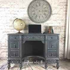 Sunflower Relics llc used Weathervane, Carbon, and Whitewash Glaze to create this super pretty finish! www.wiseowlpaint.com #wiseowlpaint #wiseowlglaze #weathervane #carbon #whitewash #gray #painted #desk