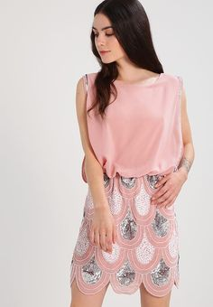Lace & Beads Petite SHARON ANGELA - Sukienka koktajlowa - pink za 351,2 zł (09.01.18) zamów bezpłatnie na Zalando.pl.