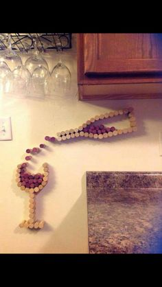 I'm definitely going have to make this! Wine cork crafts