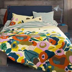 modern+bedding+sets+with+blue+stripes+and+abstract+floral+pattern