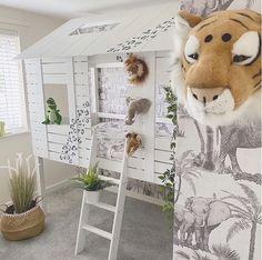 "Interior Design | Kids Decor on Instagram: ""A super cute safari theme!🦁🐯🐘Credit to @house_to_home_no.17"" Deco Jungle, Safari Theme, Kids Decor, Home Decor, Boy Room, Kids Bedroom, Wardrobe Rack, Ladder Decor, Decoration"