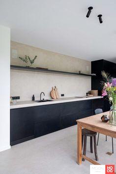 Moon Lighting - In- Kitchen On A Budget, New Kitchen, Kitchen Decor, Minimal Kitchen Design, Interior Design Kitchen, Black Kitchens, Home Kitchens, Flat Interior, Up House