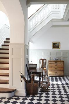 Historic architectural bones #hallway #entryway