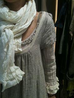 créations mode pour femme à Cannes - linen love the neckline