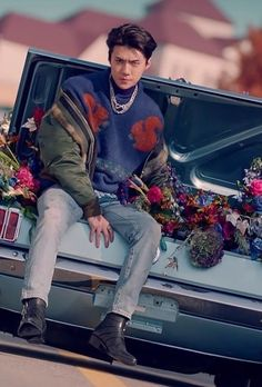 EXO Sehun Fashion - Squirrel in Blue Oversized Sweater Sehun Cute, Everyday Curls, Kpop Exo, Kpop Outfits, Kpop Fashion, Chanyeol, Photoshoot, Sweaters, Blue