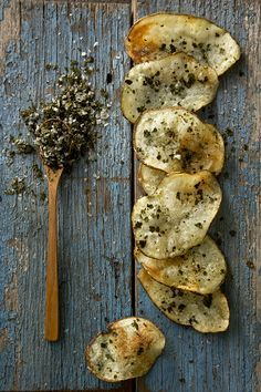 Nori Spiced Homemade Potato Chips : Libbie Summers & Chia Chong - Salted and Styled Think Food, I Love Food, Good Food, Yummy Food, Tasty, Snack Recipes, Cooking Recipes, Gula, Food Inspiration