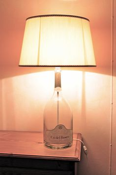 lampada con bottiglia in vetro