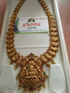 Gold Temple Jewellery, Gold Wedding Jewelry, Bridal Jewellery, Gold Jewelry, Antique Jewellery Designs, Gold Earrings Designs, Gold Jewellery Design, Antique Necklace, Gold Necklace