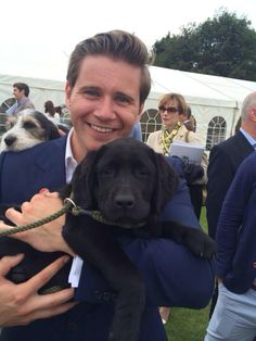Allen Leech (Downton Abbey) with puppy Allen Leech, Downton Abbey Cast, Laura Carmichael, Dowager Countess, Lady Mary, Attractive Men, Good Looking Men, To My Future Husband, Mans Best Friend