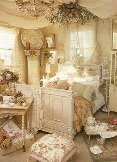 ❤️ I keep waiting for my hubby to build me this bed...please for Christmas?