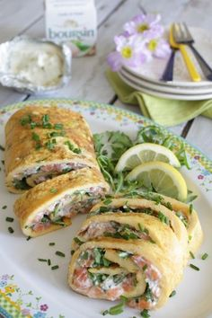 Brunch roll: Luxury omelette wrap with salmon and boursin - Francesca Cooks Yummy Easter Recipes, Brunch Recipes, Breakfast Recipes, Brunch Ideas, Buffet, Lunch Snacks, Lunches, Lunch To Go, Easter Brunch