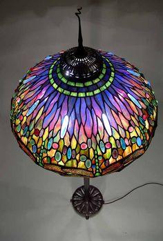 """The 22"""" Dragonfly Tiffany laded glass lamp on a Bronze Junior floor base - Szitakötő mintázatú Tiffany lámpa felülről"""