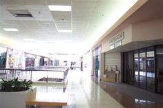 rolling-acres-mall-17.jpg (768×512)