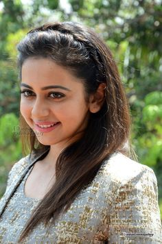 Rakul-Preet-singh-during-her-interview-stills-(12)