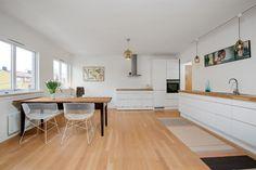 (2) FINN – Sinsen Hageby - Pen 3-roms i 2. etg - lekkert og moderne HTH-kjøkken - solrik balkong