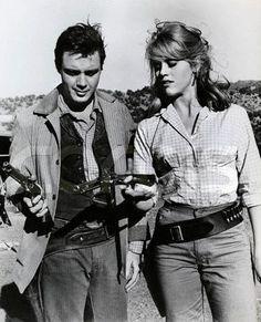 Michael Callin and Jane Fonda in Cat Ballou