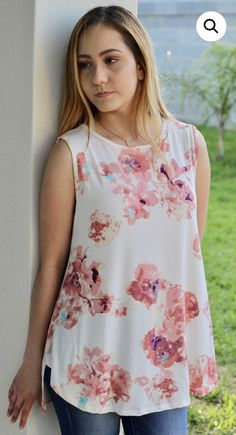 Floral Blouse, Floral Tops, Western Outfits, Sleeveless Blouse, Blouse Designs, Kurti, Crop Tops, Clothes For Women, Sewing