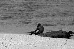 Mann am Meer Am Meer, Strand, Penguins, Animals, Island, Monochrome, Animales, Animaux, Penguin