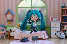 http://www.deviantart.com/art/Miku-2-0-440663355