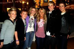 Ross, Ryland, Rydel, Riker, & Rocky Lynch with their cousin Julianne Hough. They were so little! :P