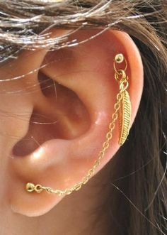 Feather chain. Love this! Need me a earring like this