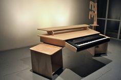 Vee for Yamaha – Music Studio Desk Studio Desk Music, Recording Studio Furniture, Music Desk, Home Studio Setup, Audio Studio, Recording Studio Home, Studio Ideas, Studio Table, Home Music Rooms