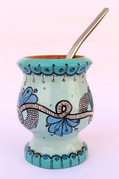 . Painted Flower Pots, Painted Pots, Clay Pot Crafts, Diy And Crafts, Paper Mache Bowls, Yerba Mate, Decoupage Art, Pottery Painting, Hand Painted Ceramics
