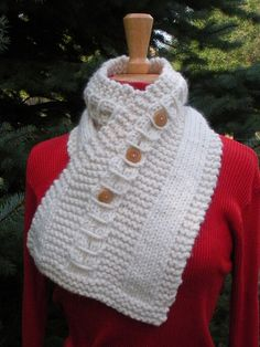 Ravelry: Cowl Catcher pattern by Kim Wagner