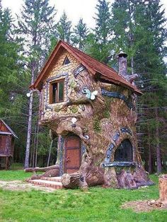 Minimalist House Design Ideas - The minimalist architectural design, which is re. - Minimalist House Design Ideas – The minimalist architectural design, which is really entrenched in - Cool Tree Houses, Fairy Houses, Play Houses, Minimalist House Design, Minimalist Home, Tree House Designs, Fairytale Cottage, Storybook Cottage, Fantasy House