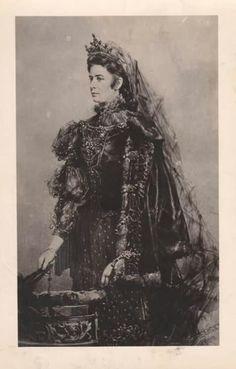 Elisabeth in rouwkleding.