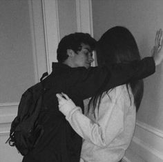 60 Romantic And Cute Couple Goal Photographs For Your Endless Romance – Page 3 of 60 – Cute Hostess For Modern Women - Couple goals Cute Couples Photos, Cute Couple Pictures, Cute Couples Goals, Couple Photos, Teen Love Couples, Love Pics, Freaky Pictures, Sweet Couples, Prom Pictures