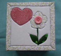 Caixa em mdf passa-fita, pintada, com revestimento em tecido na tampa R$19.50 Patch, 1, Flower Applique, Flower Fabric, Tiling, Cartonnage, Butterfly, Tape, Rouge
