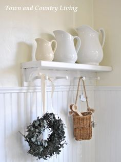 DIY Budget Decor:: Creating a Farmhouse Theme in Your Home (Tons of frugal tips, ideas, and timeless tutorials) | Town and Country Living