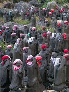 The Jizo statues of Chausudake Volcano offer a sight unique in Japan,
